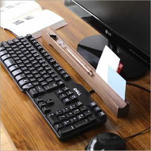 ナチュラルウッドのキーボードトレー