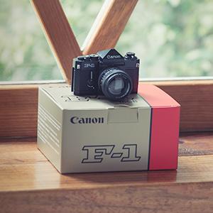 ミニチュアカメラUSBメモリー F-1 16GB